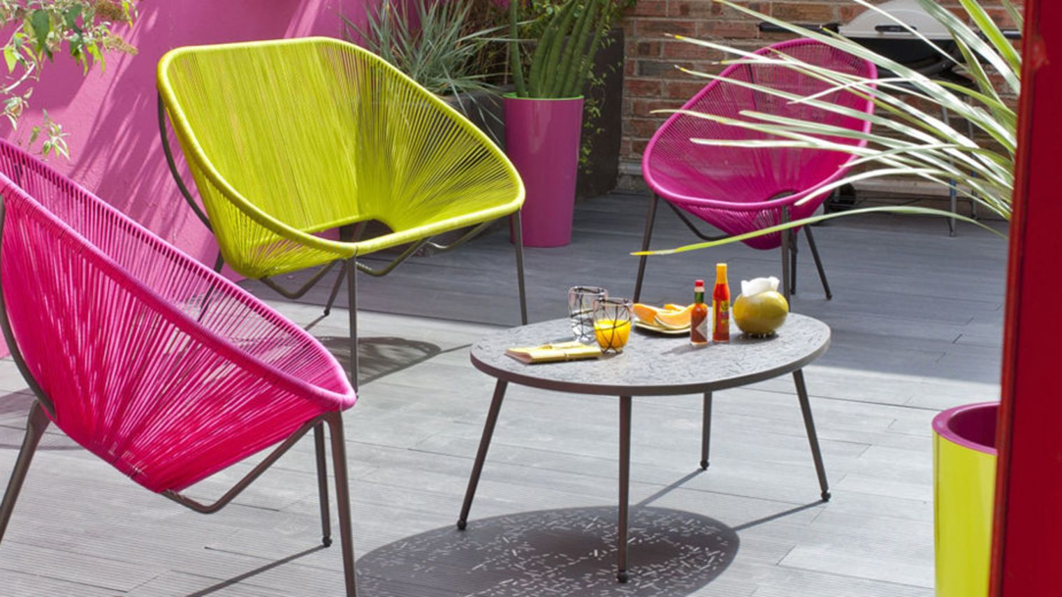 Faire de sa terrasse de jardin un lieu convivial et for Chaise de terrasse occasion